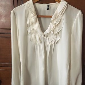 Women's Tahari 100%  silk blouse - size S, Cream